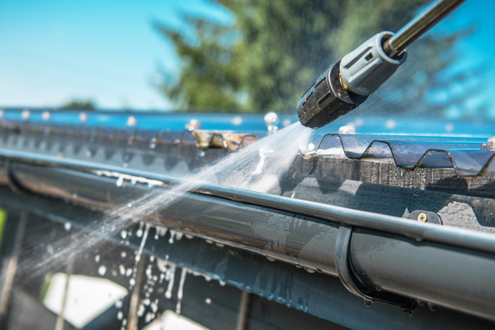 gutter cleaning in leigh on sea